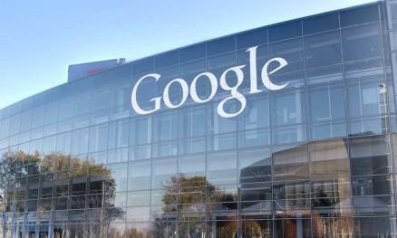 Google bannt alternative Medien, Weißes Haus bannt Massenmedien
