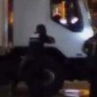 Die letzten Momente des Nizza-Terroristen, beschrieben und gefilmt von Augenzeugen