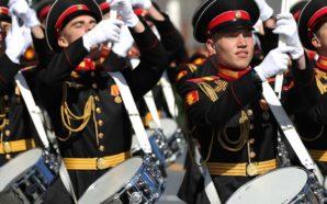 Moskau feiert mal wieder den Sieg über Deutschland – und…