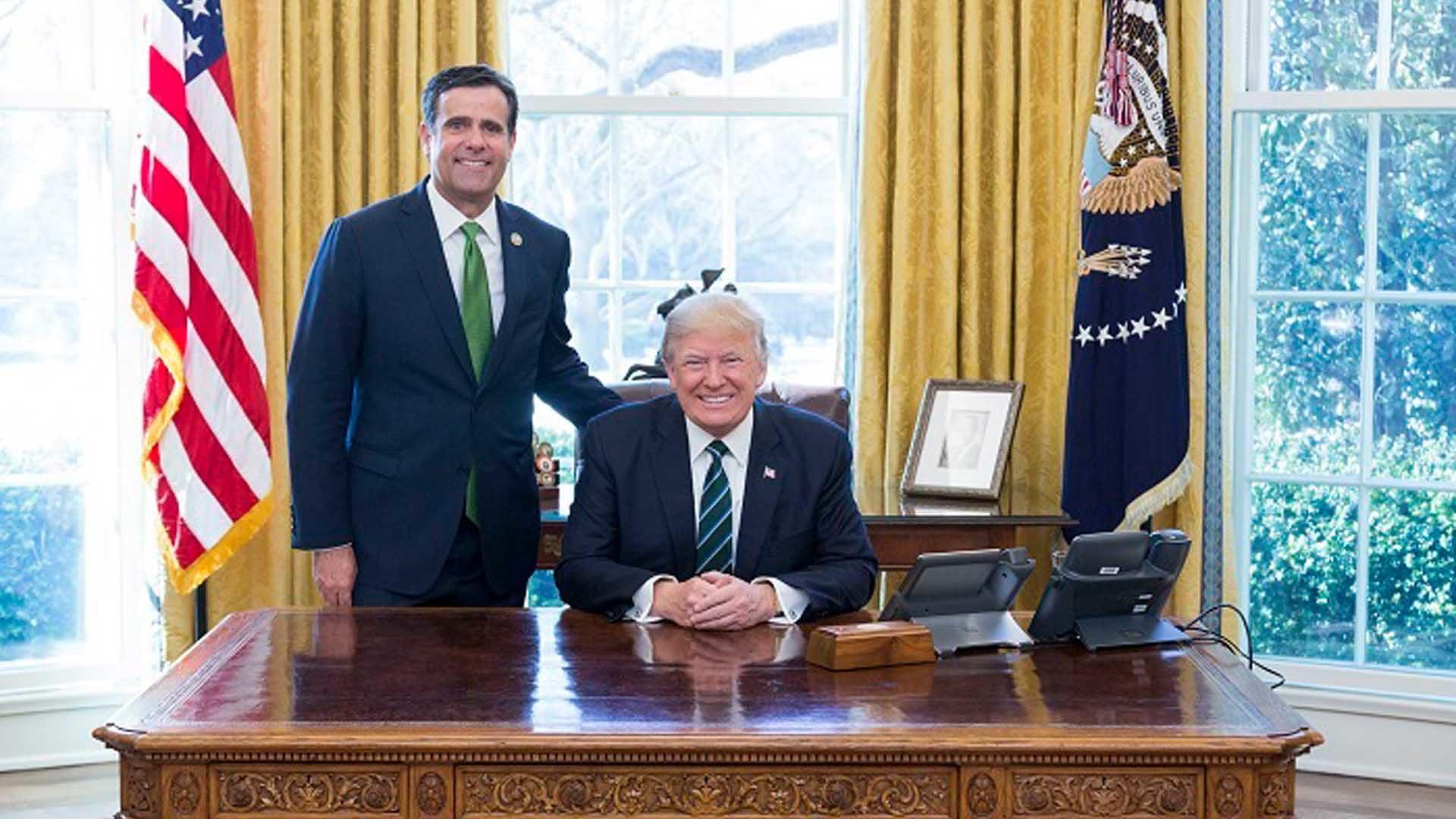 http://recentr.com/wp-content/uploads/2019/07/Donald_Trump_and_John_Ratcliffe-1920-1920x1080.jpg