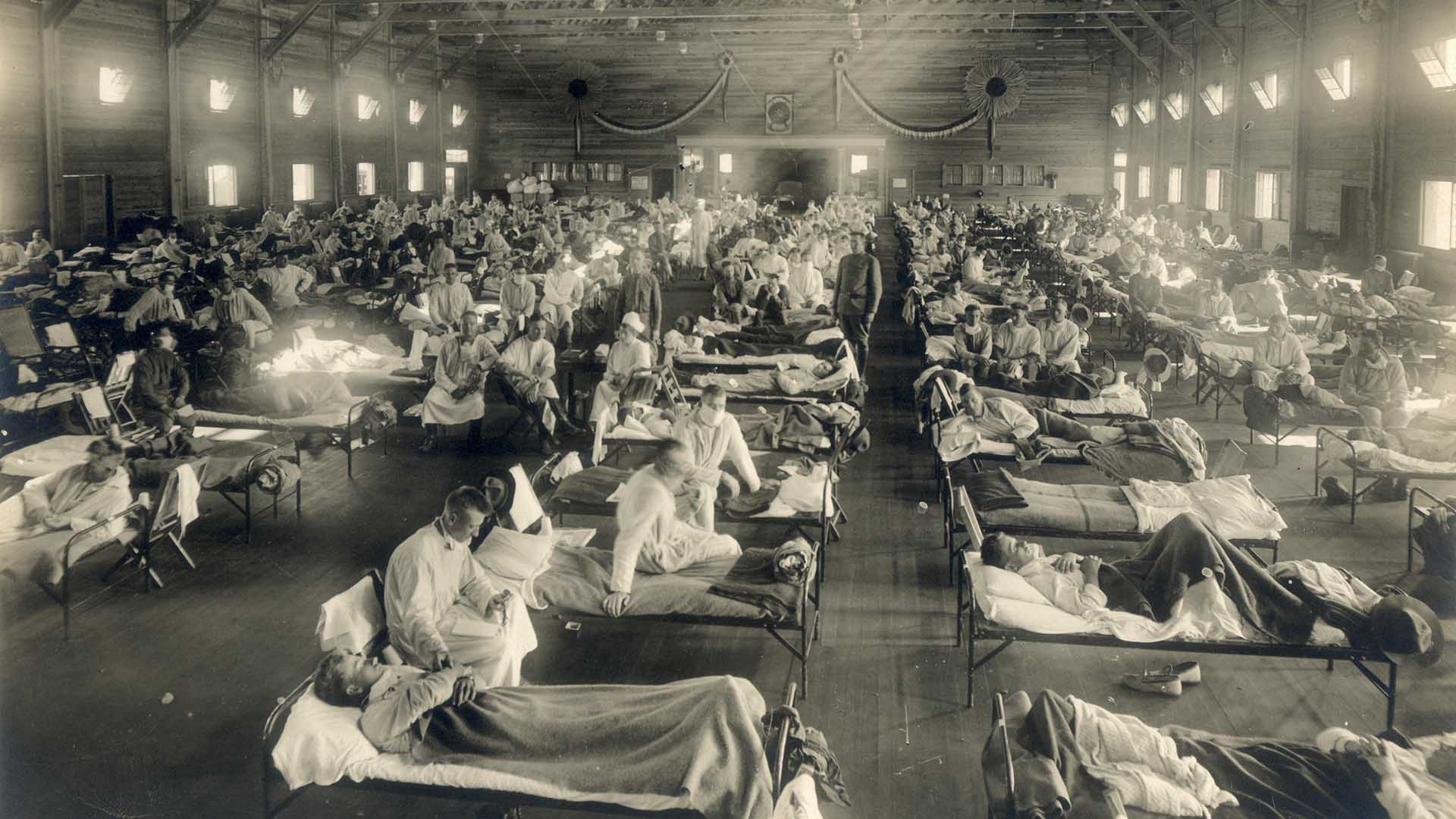 http://recentr.com/wp-content/uploads/2020/04/Emergency_hospital_during_Influenza_epidemic_Camp_Funston_Kansas_-_NCP_1920.jpg